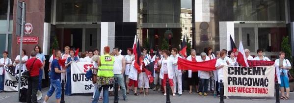 Protest der Krankenhaus-Arbeiter/innen in Warschau